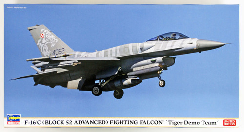"Hasegawa 07452 F-16C (Block 52 Advanced) Fighting Falcon ""Tiger Demo Team"" 1/48 scale kit"