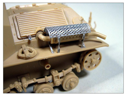 Pit-Road Skywave G-43E IJA Type92 Heavy Armored Vehicle Late Type w/ Photo-etched Parts 1/35 Scale Kit