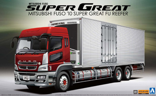 Aoshima 05583 Mitsubishi Fuso 2010 Super Great FU Reefer Truck 1/32 Scale Kit