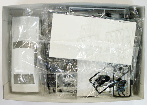 Aoshima 09819 LB-Works Nissan Skyline Kenmary Works 2Dr 1/24 Scale Kit