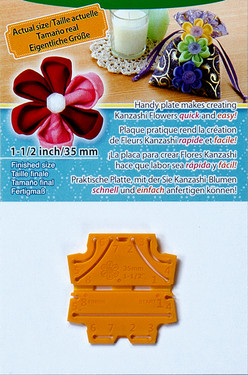 The handy plate makes creating Kanzashi Flowers quick and easy. Simply set the fabric, cut, and sew for beautiful Kanzashi. Round petal.