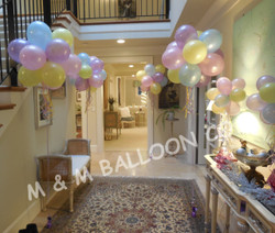 Helium Floor Topiaries & Air-filled Table Top Topiaries on a Stick