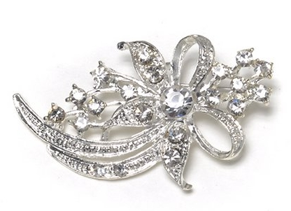 Silver Wreath Rhinestone Brooch