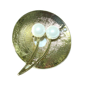 Gold Disc Brooch Two Pearls