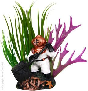 Aqua One Deep Sea Diver and Plant Ornament (36355)