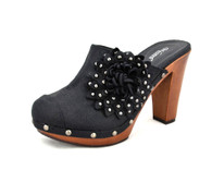 Wanted Blast vegan heeled clog