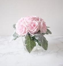 AF21082018D  Flower + Vase