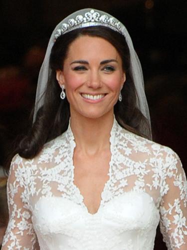 kate-middleton-wedding-earrings.jpg