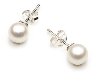 4 - 5 mm white freshwater pearl stud earrings, a classic on silver studs