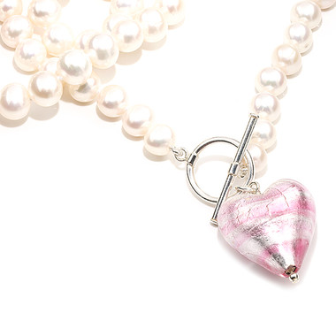 Pink Murano heart and pearl necklace lovely idea as a bridesmaids gift