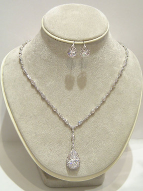 Franchesca diamante wedding necklace set gorgeous as evening jewellery