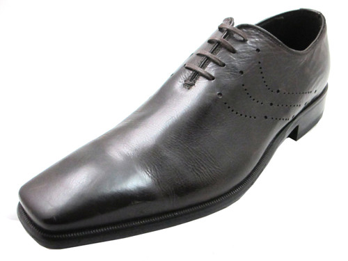 How do you lace up dress shoes