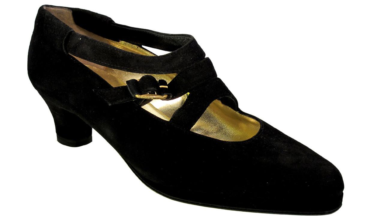 081f411eb00 Barbarella Women s 0501 Italian Low Heel Suede Black Pump