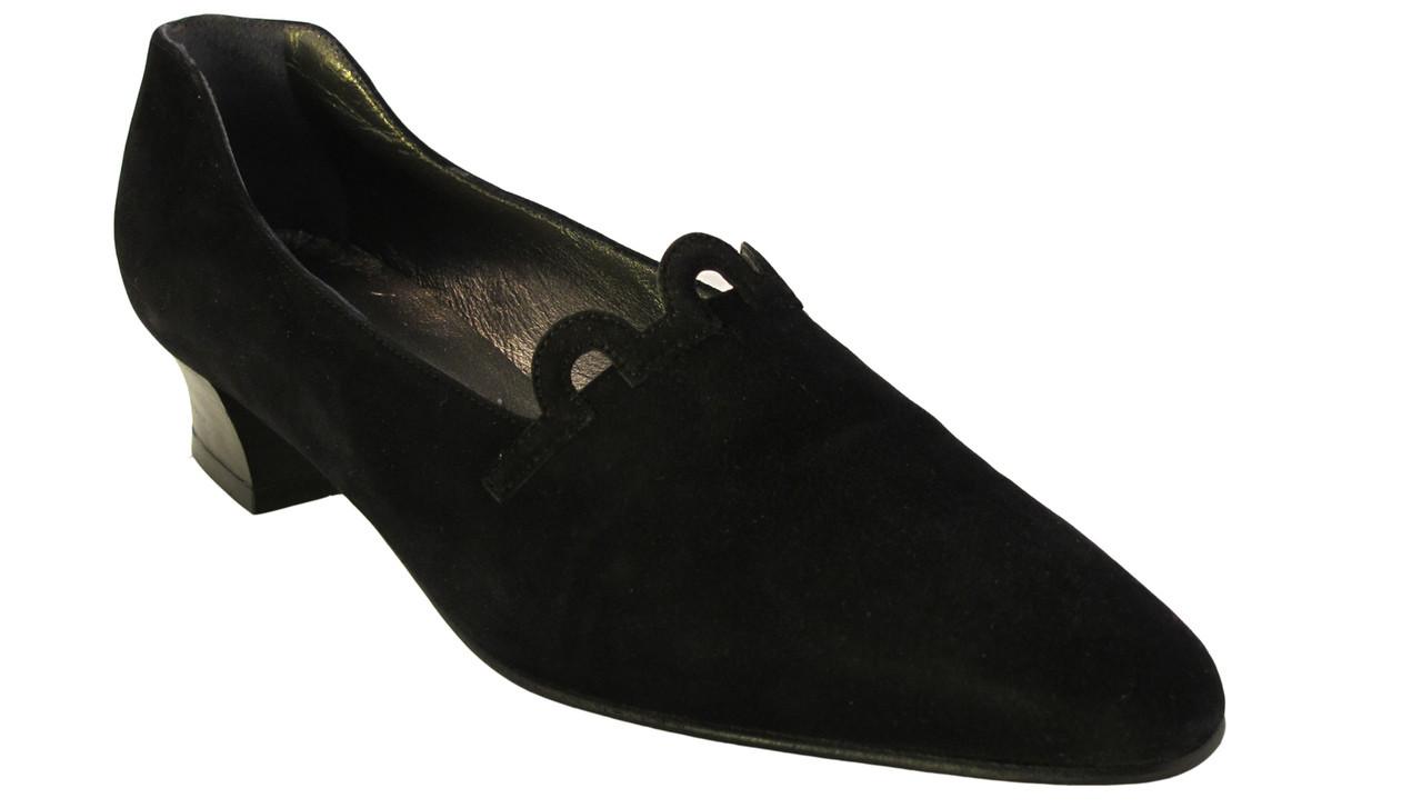 6ab9155d6 ... Women's Italian Low Heel Shoes Black. $145.00. Image 1