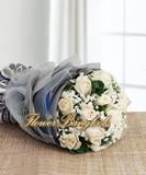 11 White Roses