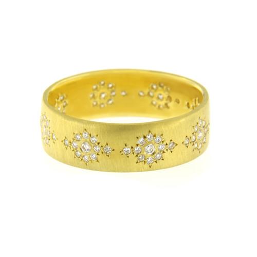 Chefridi Wide Yellow Gold Wedding Band