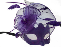 Masquerade mask with feather purple