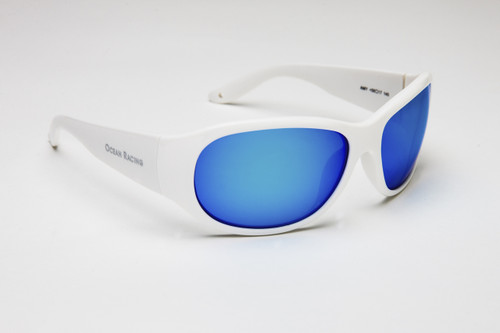 Classic style with wider temples to block reflected light.