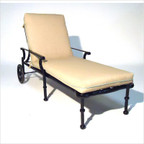 Leon Chaise Lounge