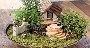 cottage-woodland-gate-mini.jpg