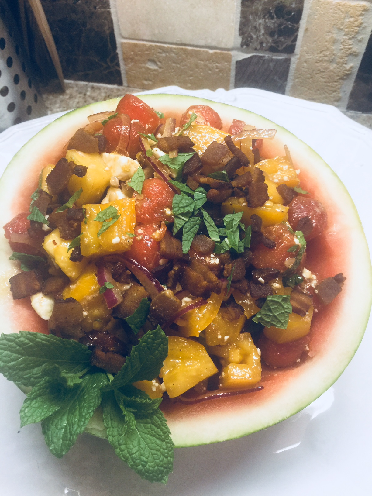 r26-tomatomelonfetabaconsalad..jpg