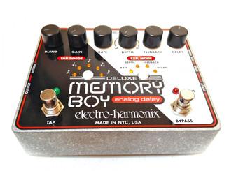 Electro Harmonix    Deluxe Memory Boy  Analog delay with tap tempo