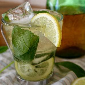 Lemongrass Basil Mojito Tea Cocktail Recipe