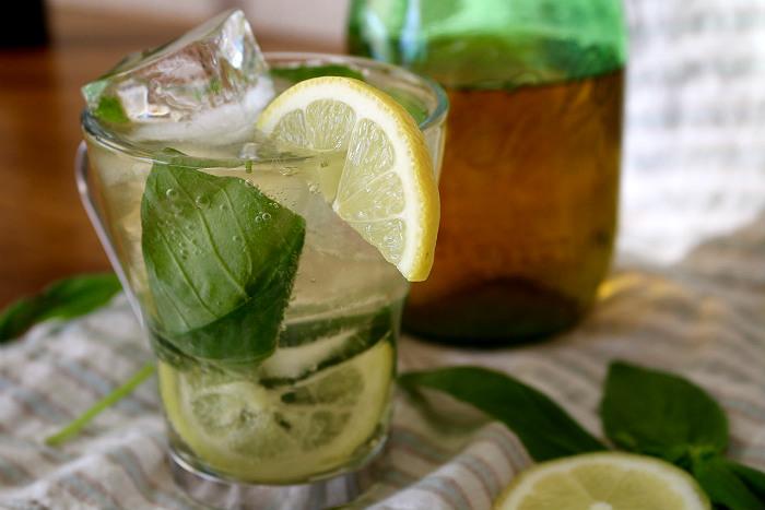 "Lemongrass Basil ""Mojito"" Tea Cocktail Recipe"
