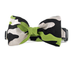 Camouflage Bow Tie Dog Collar