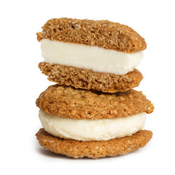 Oatmeal Cream Ice Cream Sandwich 4-Pack