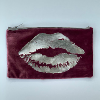 Velvet Pouch Lips, Berry/Silver