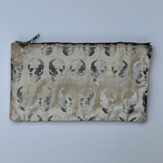 Velvet Pouch Mini Skulls, Cream/Silver