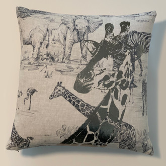 Pillow Giraffe, Safari/Silver