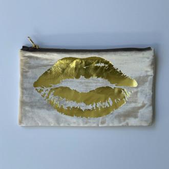 Velvet Pouch Lips, Cream/Gold