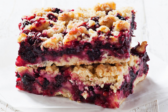 blackberry-and-apple-flapjack-crumble.jpg