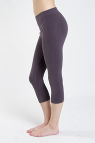 C'est Moi 3/4 Bamboo Legging in Charcoal