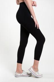 C'est Moi 3/4 Bamboo Legging in Black