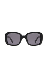 Quay 20's Sunnies in Black + Smoke