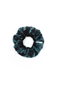 Chelsea King Crushed Velvet Petite Scrunchie in Emerald
