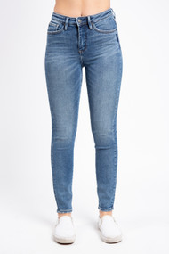 Silver Jeans Isbister Skinny in Noble
