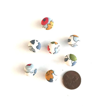 "Liberty Betsy Grey Button - 12 mm (~1/2"") - Exclusive!"