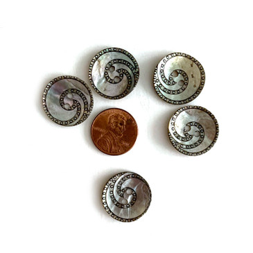 "Art Deco Spiral Shell Button - 20 mm (.78"")"
