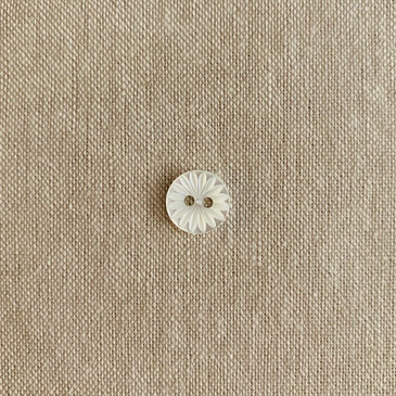 "Starburst Shell Button - 11.5 mm (0.45"")"