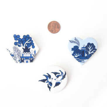 Chinoiserie Brooch (various colours)