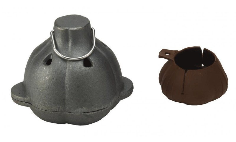 Bull BBQ Cast Iron Garlic Roaster & Squeezer Set