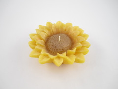 Beeswax Floating Sunflower Candle in Natural