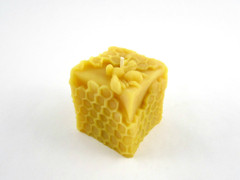 Beeswax Honeycomb Cube Votive Candle in Natural