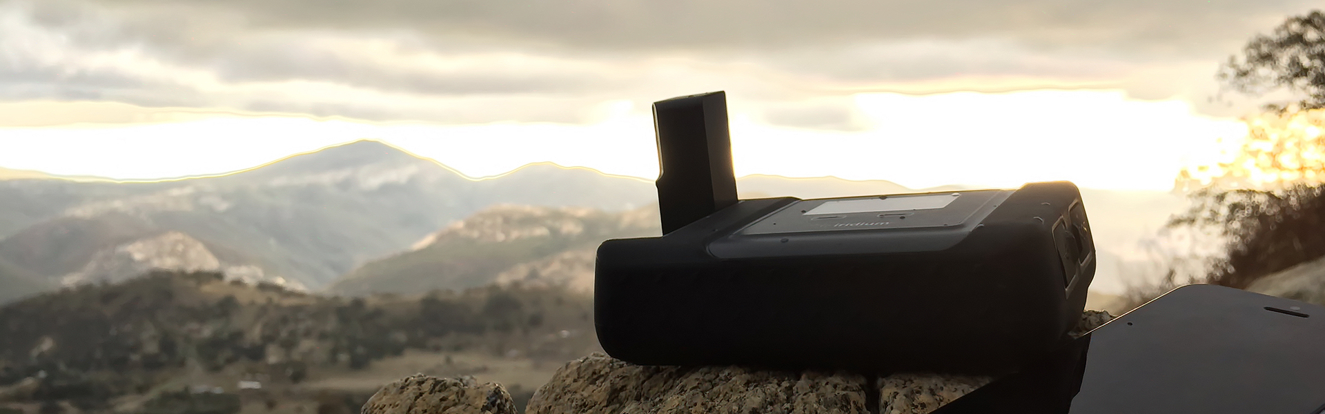 iridium go satellite smartphone wifi hotspot from NorthernAxcess
