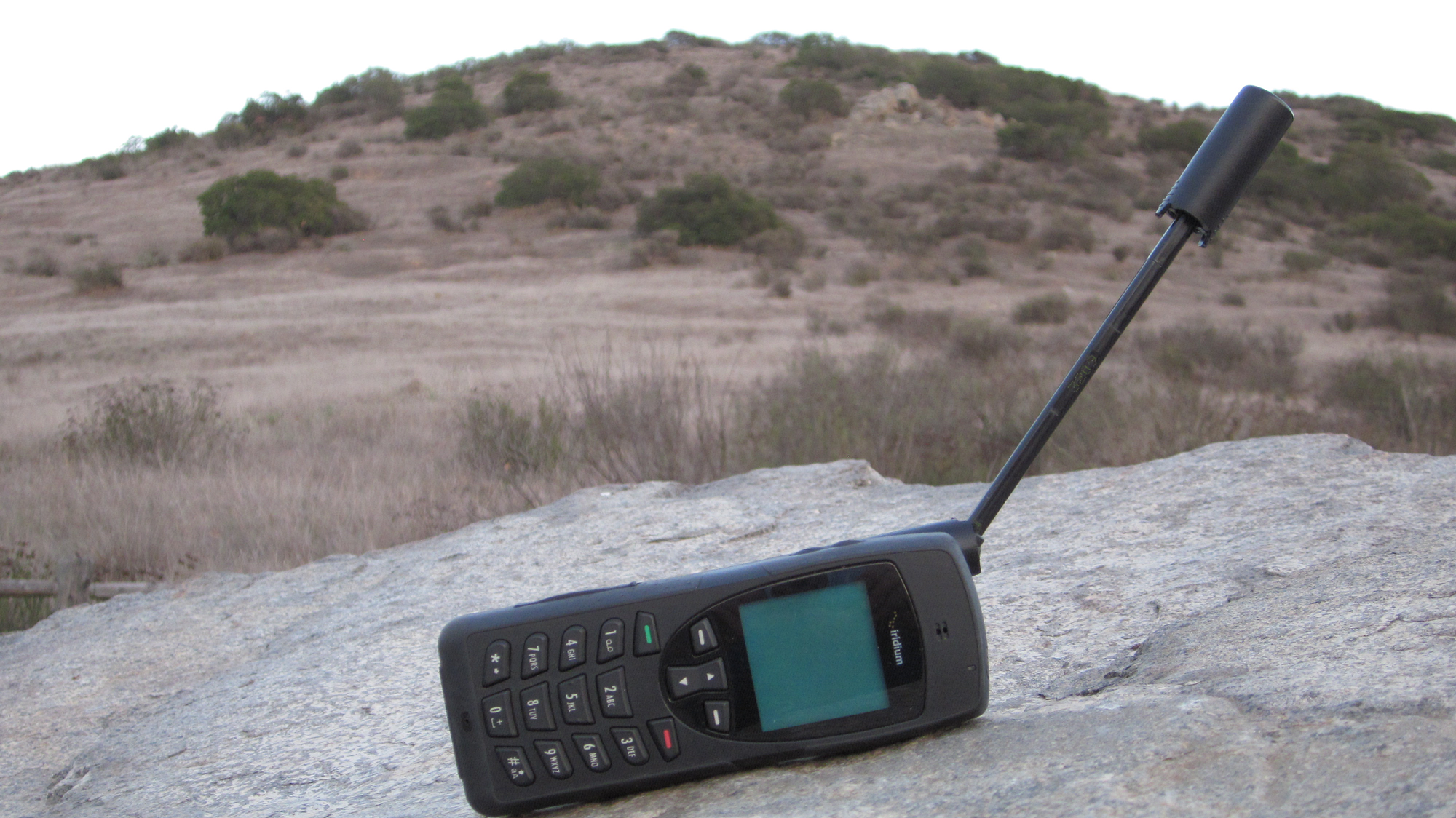 iridium-9555-sat-phone-in-a-mountain.png