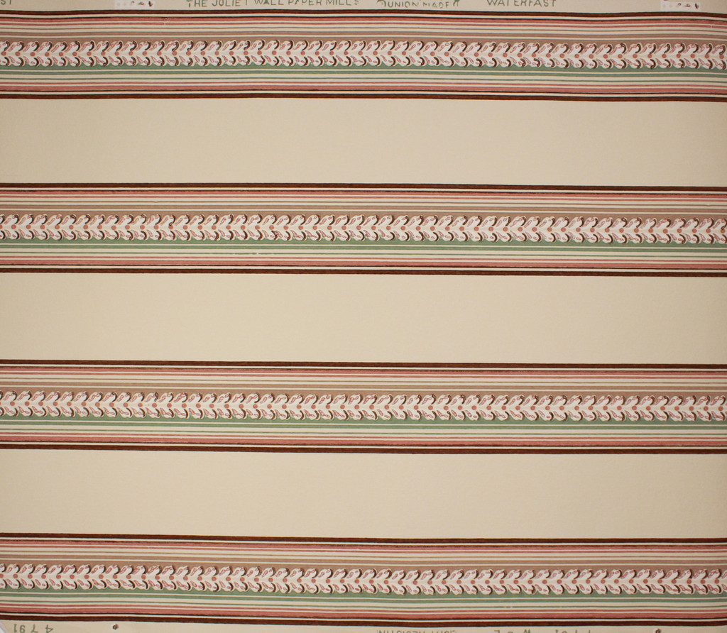 1940s Vintage Wallpaper Border Brown and Green Leaf